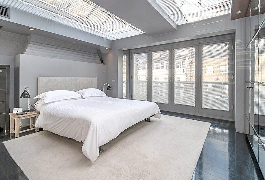 Curzon Street, W1J, Bedroom